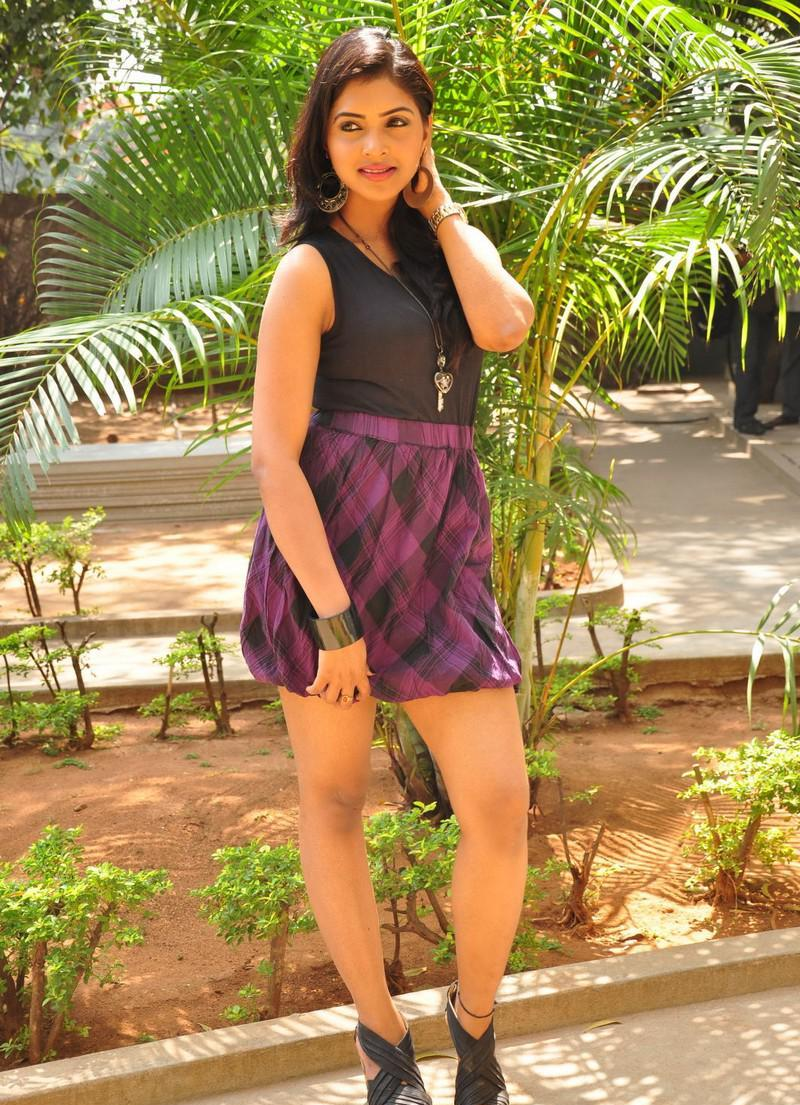Sanchita padukone hot n sexy latest stills