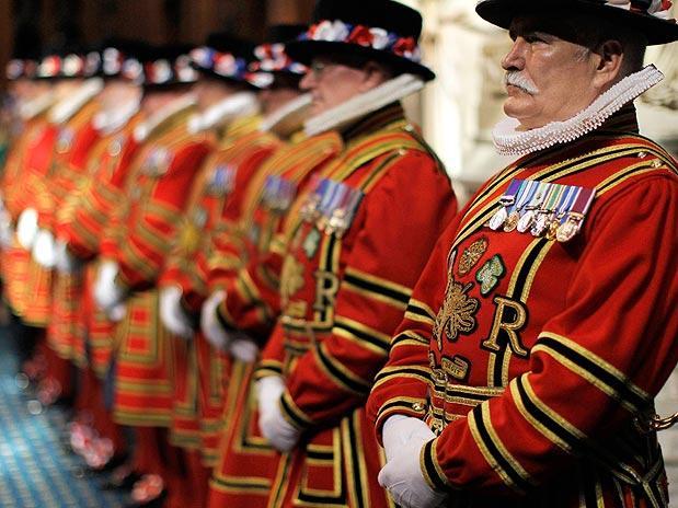 Rainha Elizabeth II abre sessões do Parlamento