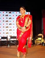 vidya balan hot saree pics