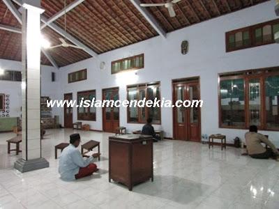 10 Tempat Wisata Religi di Kabupaten Pati Terpopuler