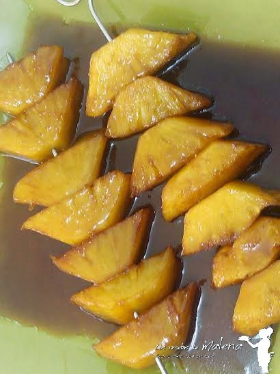 brochetas de piña caramelizada al aroma de naranja