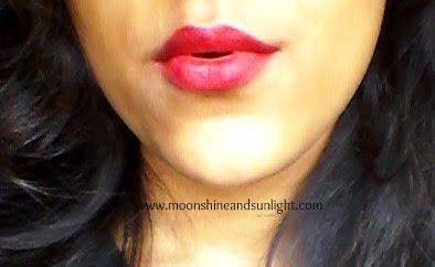 Lakme Absolute Burgundy Affair Sculpt Studio Hi- definition Matte Lipstick    Lakme Finale's shade    Kareena Kapoors's Shade