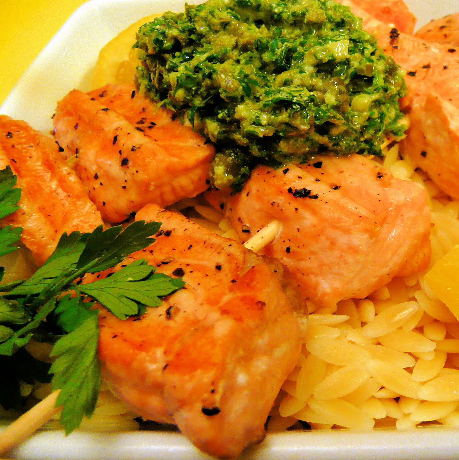 Salmon Skewers with Lemon-Parsley Pesto | I Can Cook That