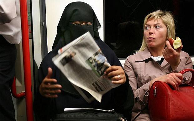 Facebook censura críticas à invasão islâmica