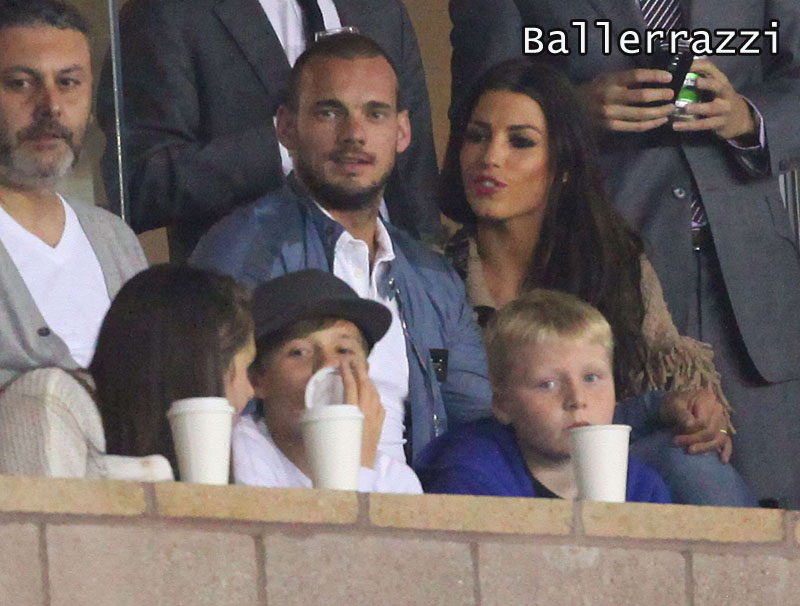 wesley sneijder wife. Wesley Sneijder and wife watch