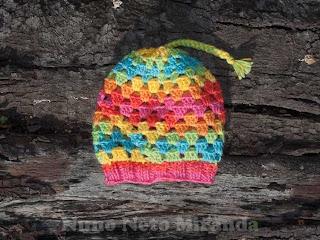 """alt=""""crochet hat, free crochet pattern, granny squares, gorro em crochet, instruções paso a passo, quadradinhos da avó, knitted ribbing edge, barra em tricot"""""""