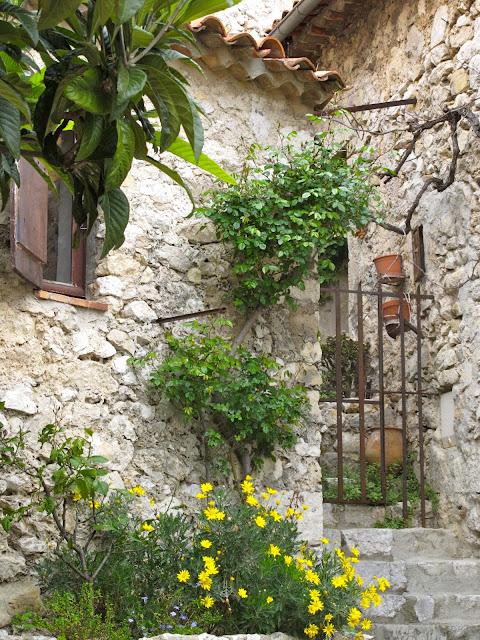 1000 images about eze village oh my on pinterest for Cafe du jardin eze