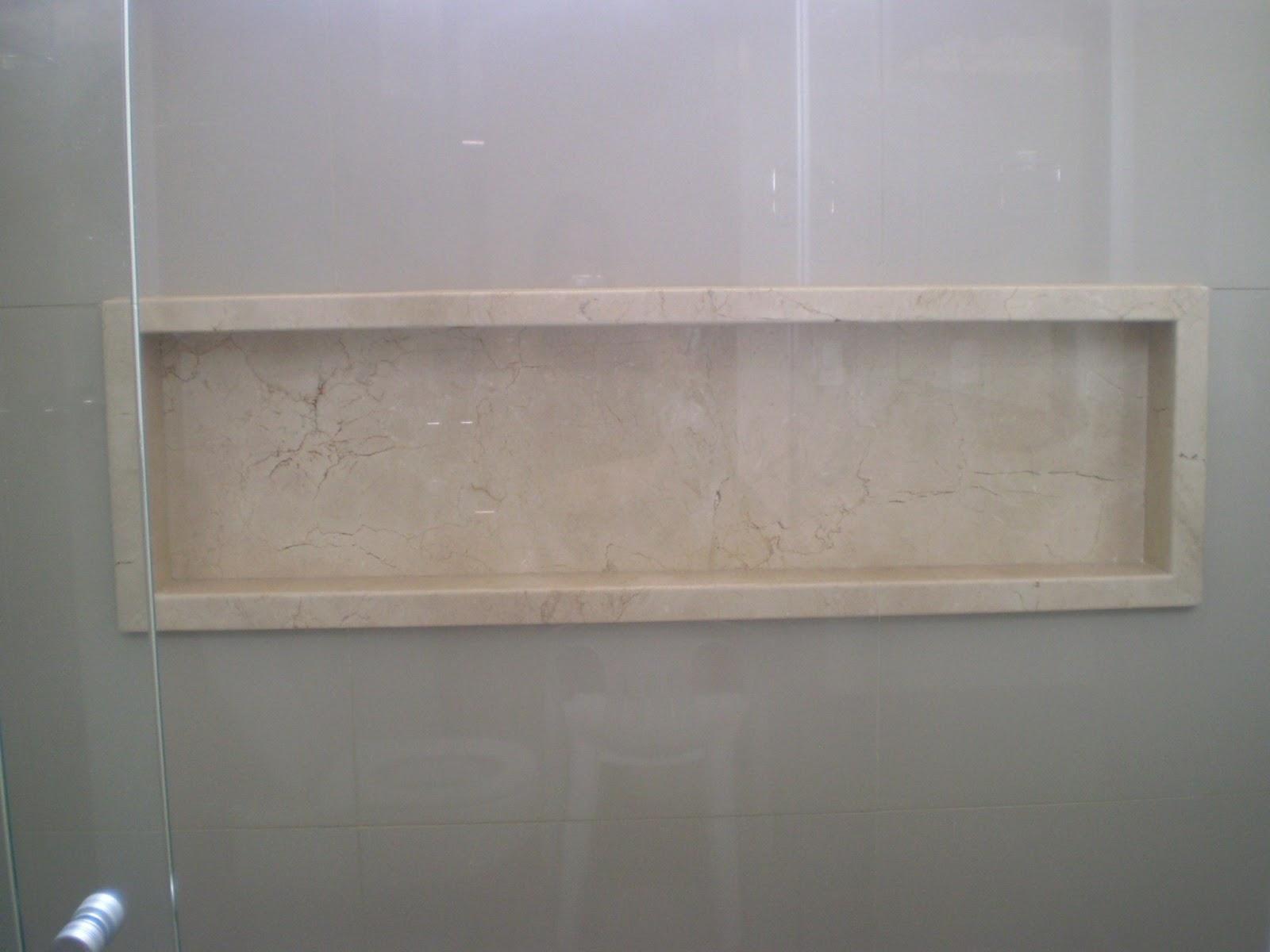 reveste 11cm internos da janela nesse ponto foi instalada a janela #71625A 1600x1200 Banheiro Com Janela Grande