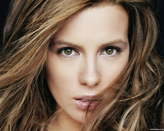 Kate_Beckinsale_wallpapers_1546416494