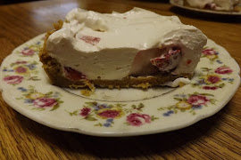 Fix your crowd at July 4th, this creamy cool Strawberry Icebox Pie!........