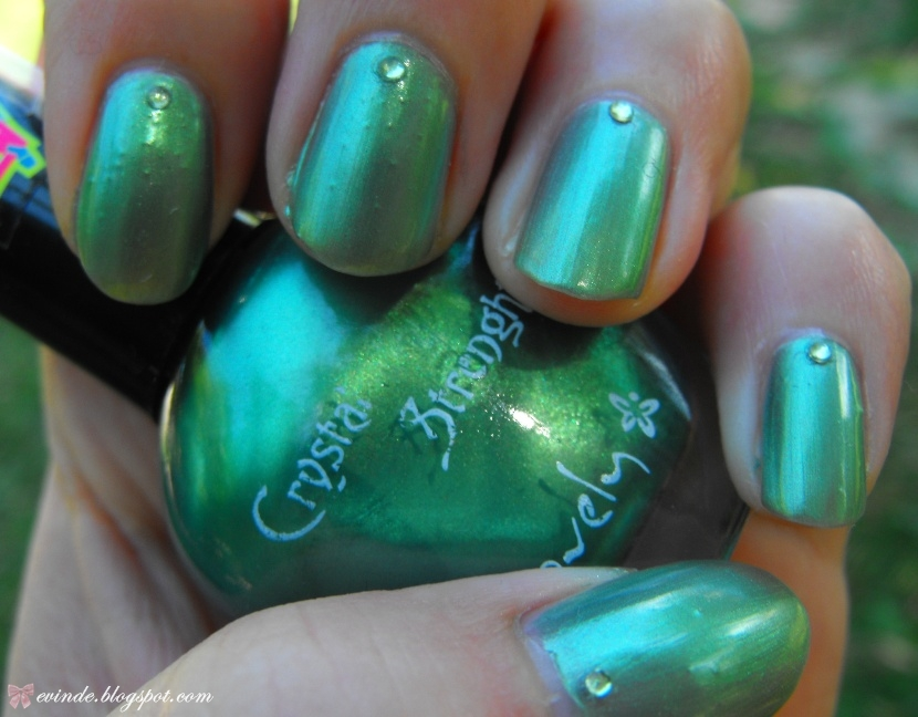 Nail of the Day | Jade Green | Evinde\'s Beauty Stash