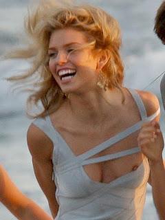 免费性感的图片 - sexygirl-annalynne-mccord-nipple-slip-03-723401.jpg