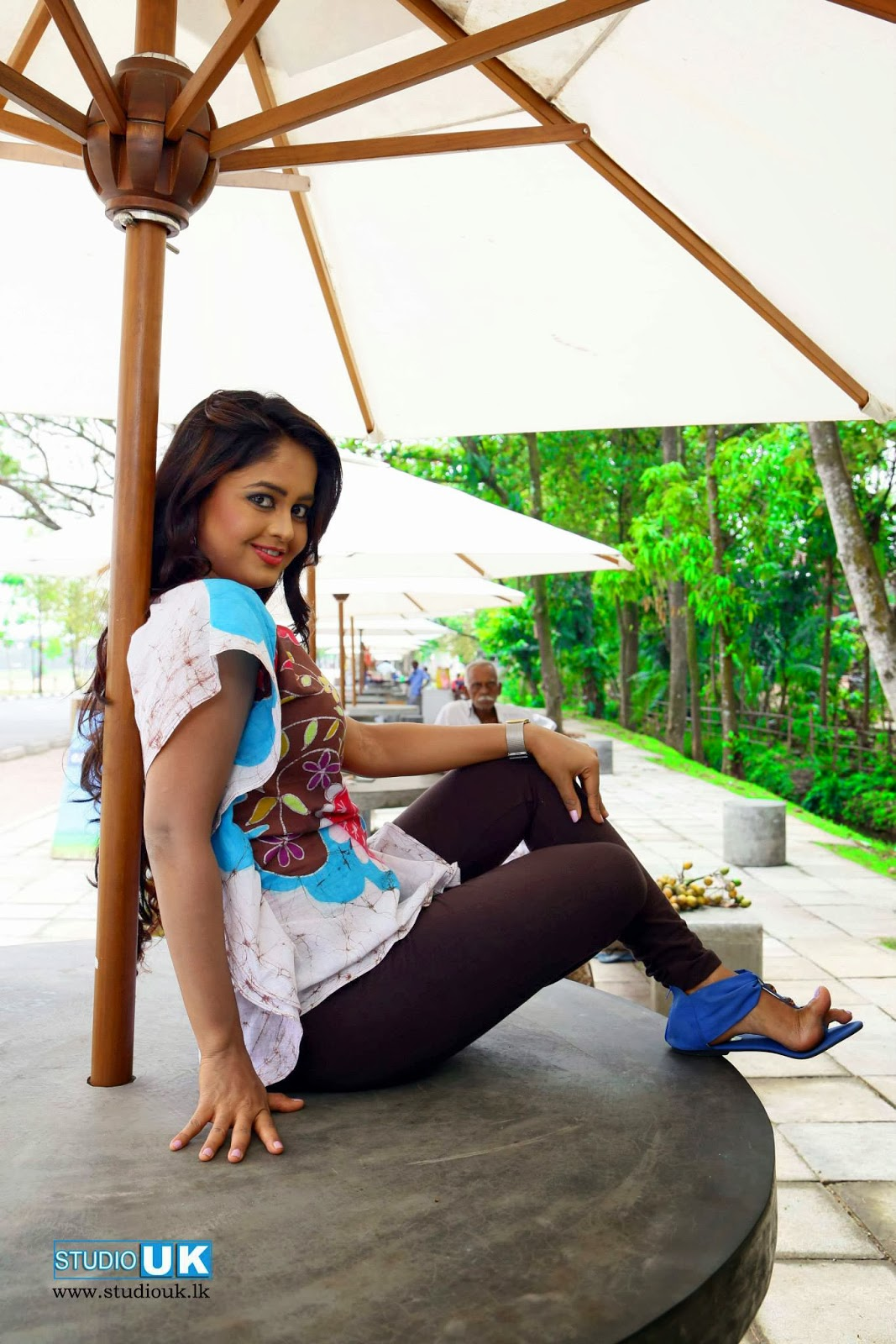 Actor & TV Presenter Dilhani Perera
