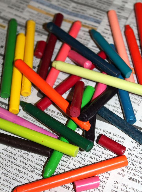 Diy Crayon Canvas Adventures Of A Middle Sister
