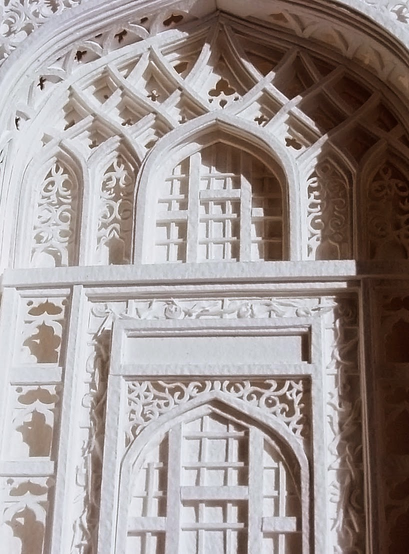 03-Christina-Lihan-3D-Architectural-Paper-Sculptures-www-designstack-co