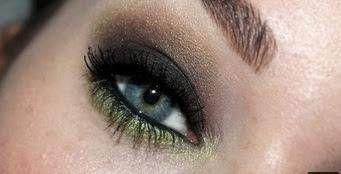 maquillaje ahumado y verde