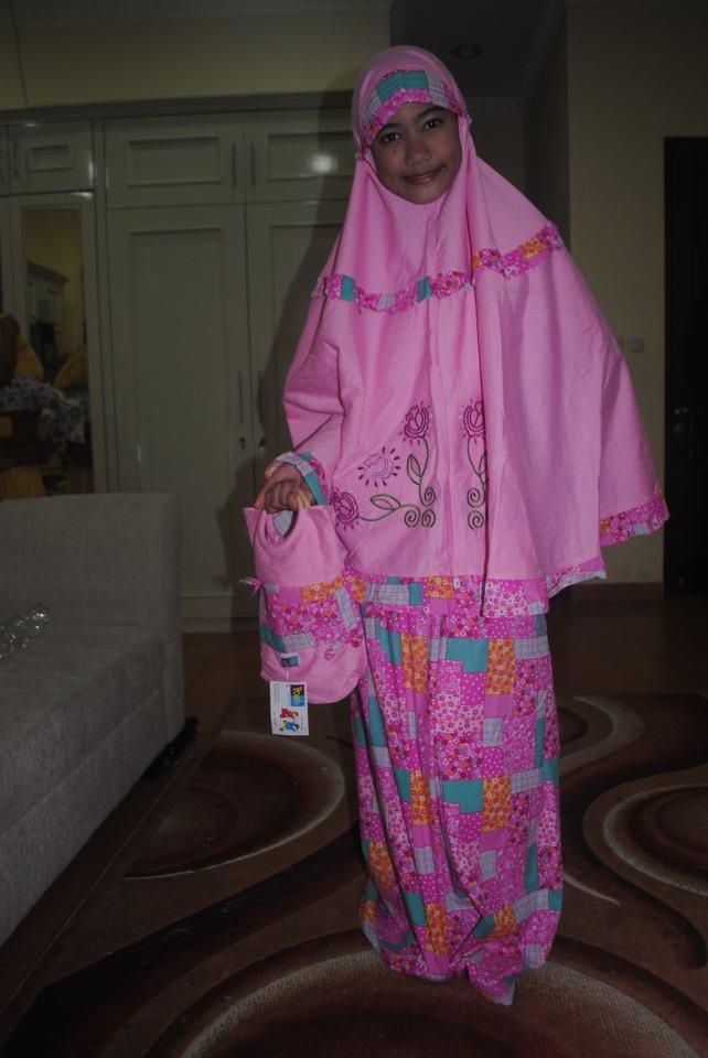 baju-gamis-murah-berkualitas-modern-poeti-collection-anak-cantik-muslim-mukena