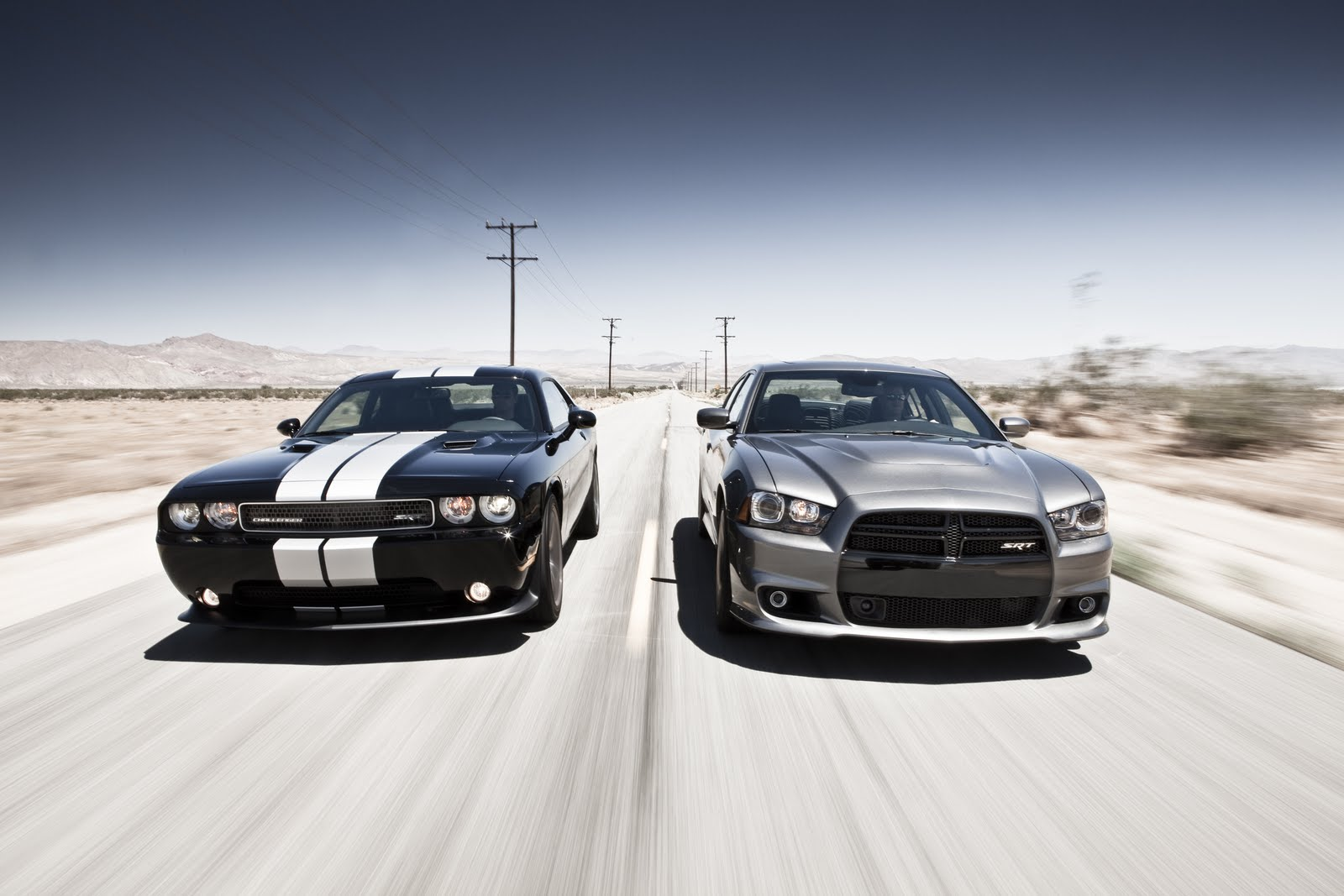 Dodge Charger Srt8 Vs Dodge Challenger Sr8 392 Dark Cars