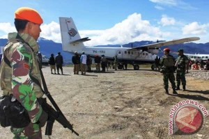 TNI-Polri kejar penembak anggota TNI