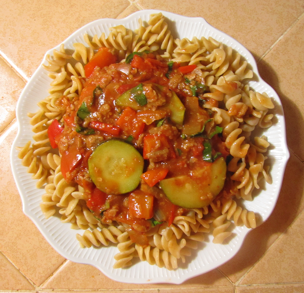 ... : Late Summer Pasta with Sweet Pepper, Zucchini, and Tomato Sauce