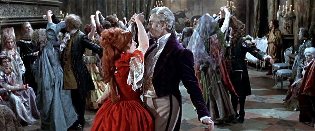 Dans la salle de bal dans écologie le+bal+des+vampires+extrait+3