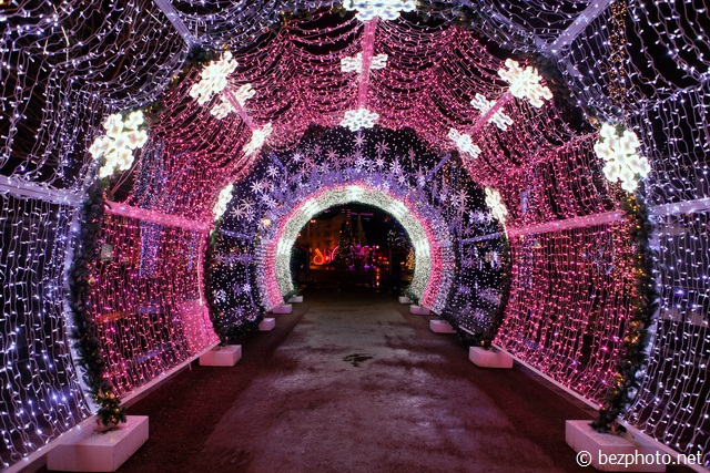 световой тоннель на тверском бульваре фото
