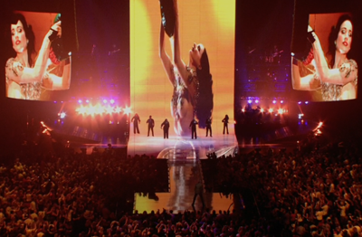 Attractive visual effects synchronized with the music provided much of the entertainment.