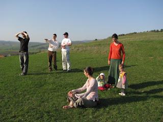 kászoni séta a dombtetőre: kitekintők