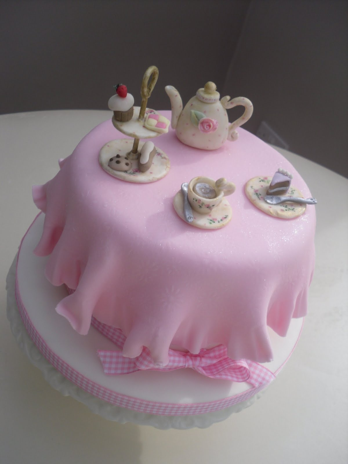 Katies Cupcakes: Tea Party Cake
