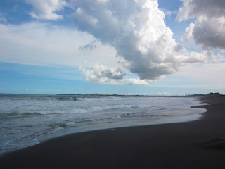Pantai Lembeng Gianyar Bali