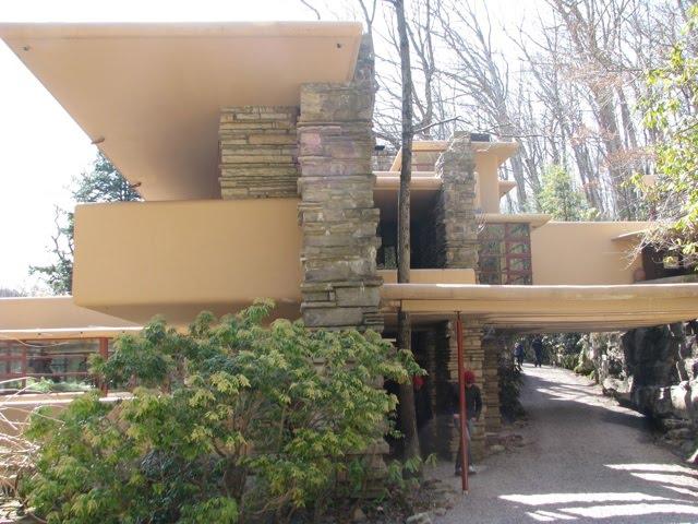 Potomac micmac la maison sur la cascade fallingwater for Maison cascade