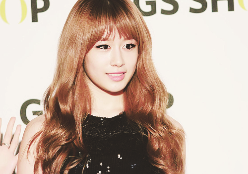 "Park Jiyeon ""Semi Blonde Hair"""