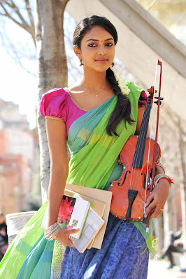 Amala Paul hot in iddarammayilatho 008 Actress Amala Paul Latest Beautiful Photos