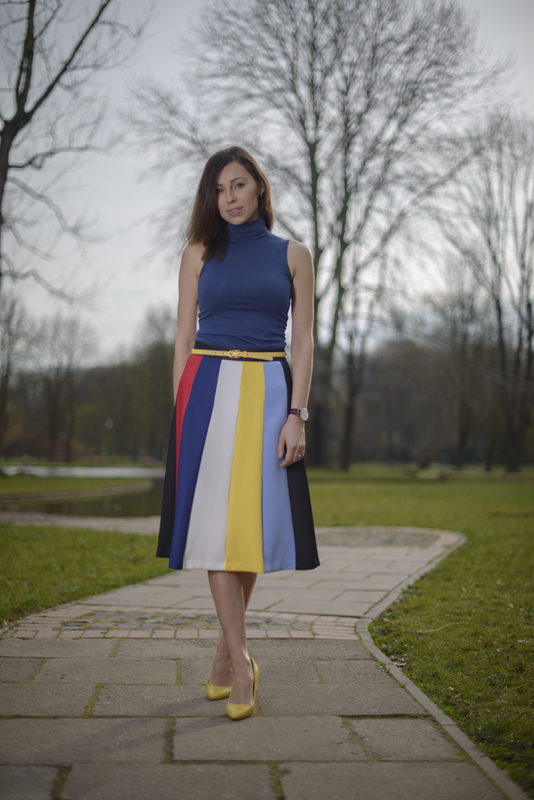 stripped midi skirt street fashion