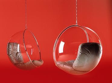 la cerise et le design le fauteuil suspendu bubble d 39 eero aarnio. Black Bedroom Furniture Sets. Home Design Ideas