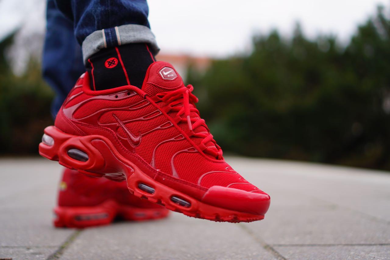 sportswear fix   nike air max plus  lava red
