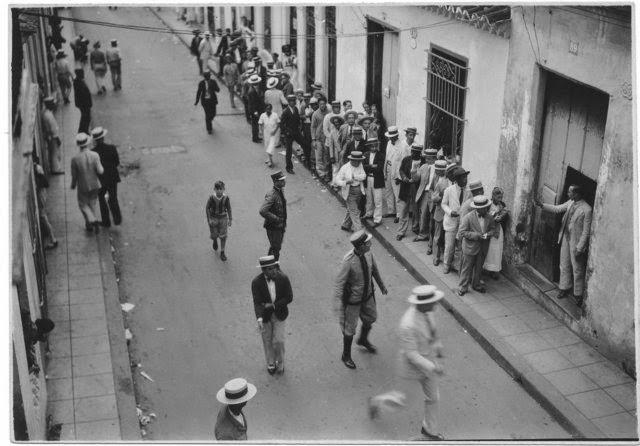 Colas para votar, 1930