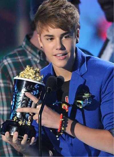 Celebrity World Update: Justin Bieber Christmas Album in Working