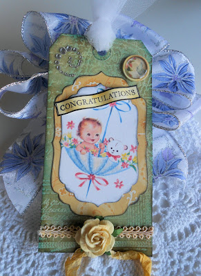 mixed media gift tag for babyshower
