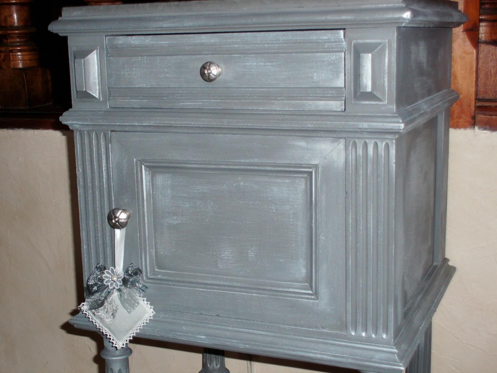 l 39 atelier d co du capagut encore un chevet pour patricia. Black Bedroom Furniture Sets. Home Design Ideas