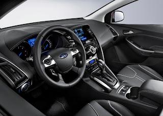 2012-Ford-Focus-29