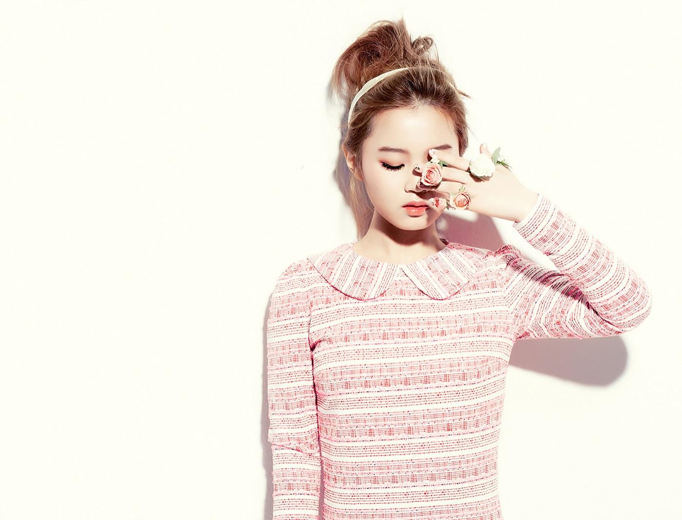http://1.bp.blogspot.com/-MWZuWlDBoDM/UT80iMYDMxI/AAAAAAAAgfo/3JPxZyljYQY/s1600/Lee+Hi+First+Love+Wallpaper+7.jpg