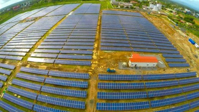 India Unveils The World's First 100% Solar Powered Airport