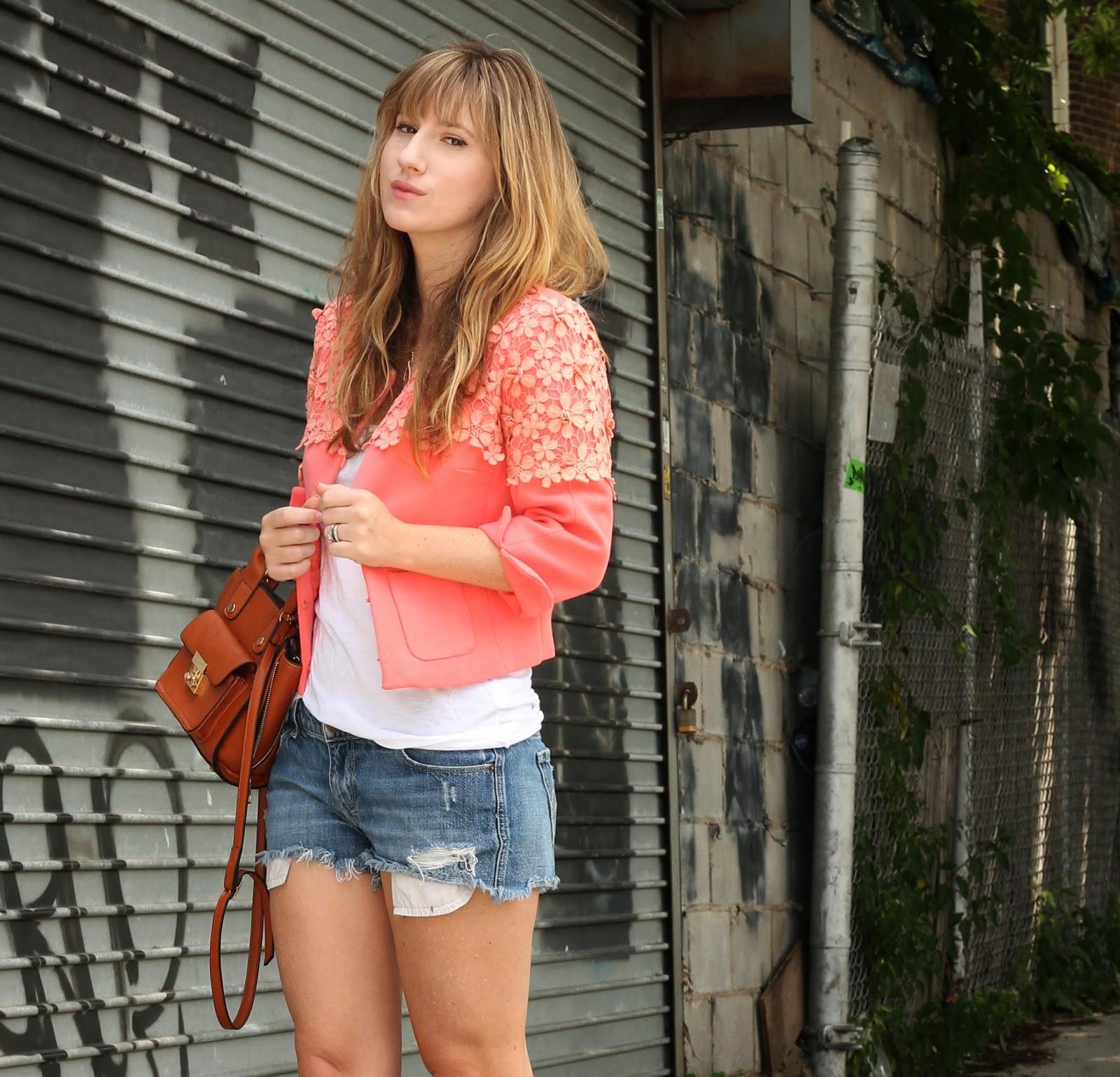 summer style, cut offs, how to wear cut offs,  blazer with shorts
