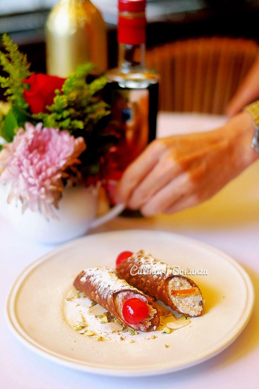 Cannoli Siciliani (www.culinarybonanza.com)