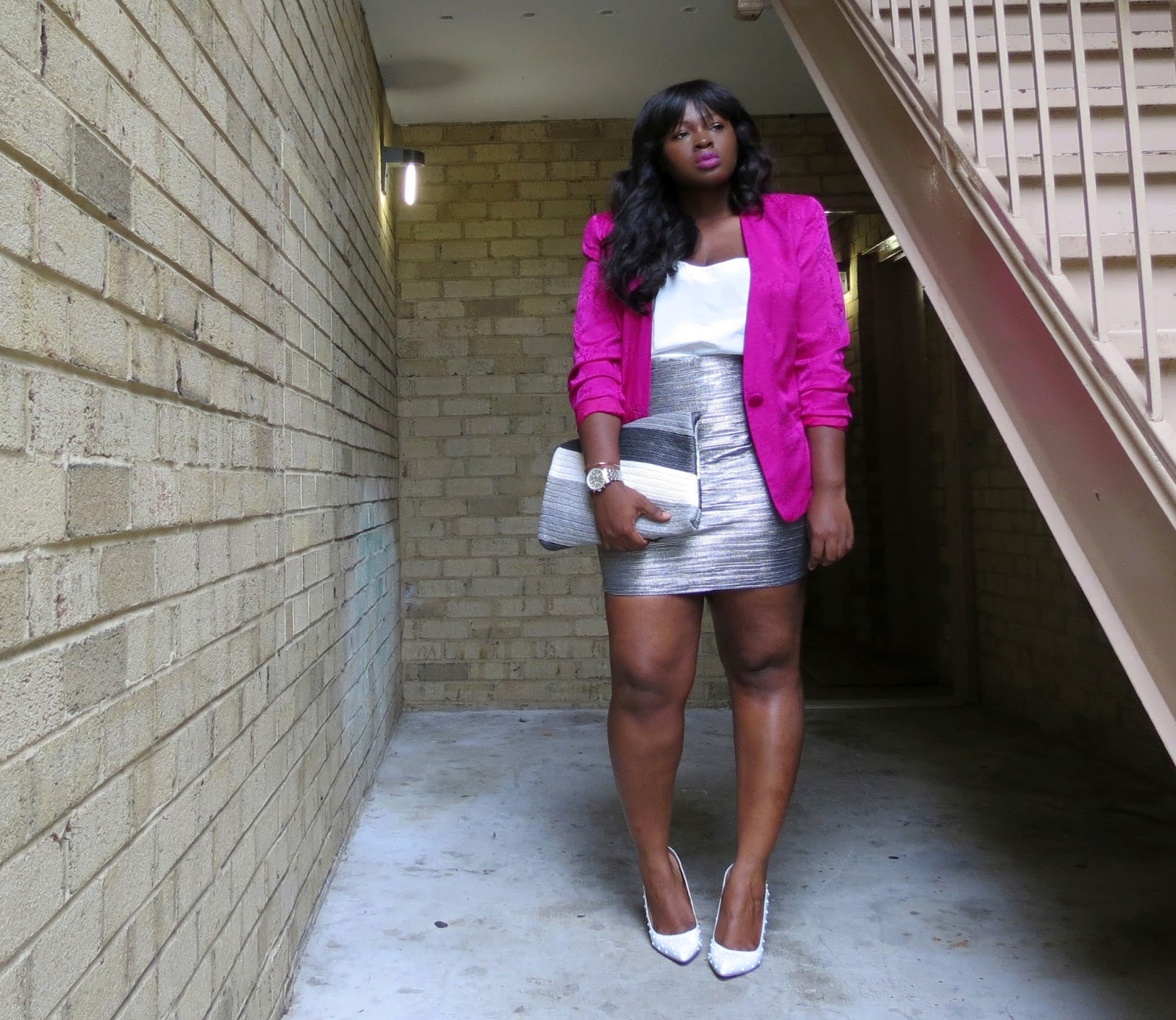 pink vintage blazer, white pumps, plus size