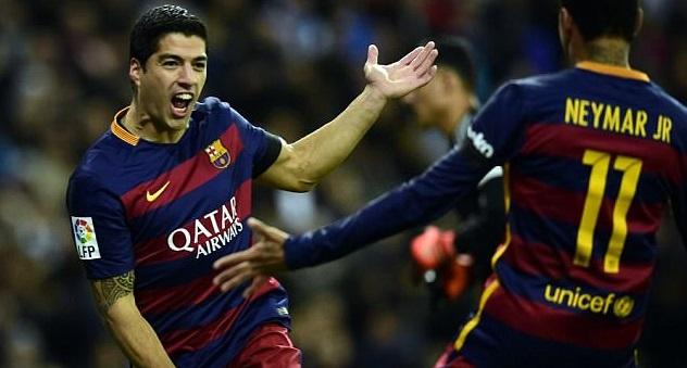 Suarez Merayakan Goal nya bersama Neymar