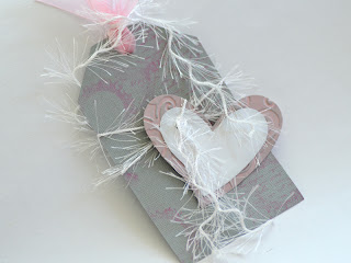 Love Tag in Pink - White - Grey - details