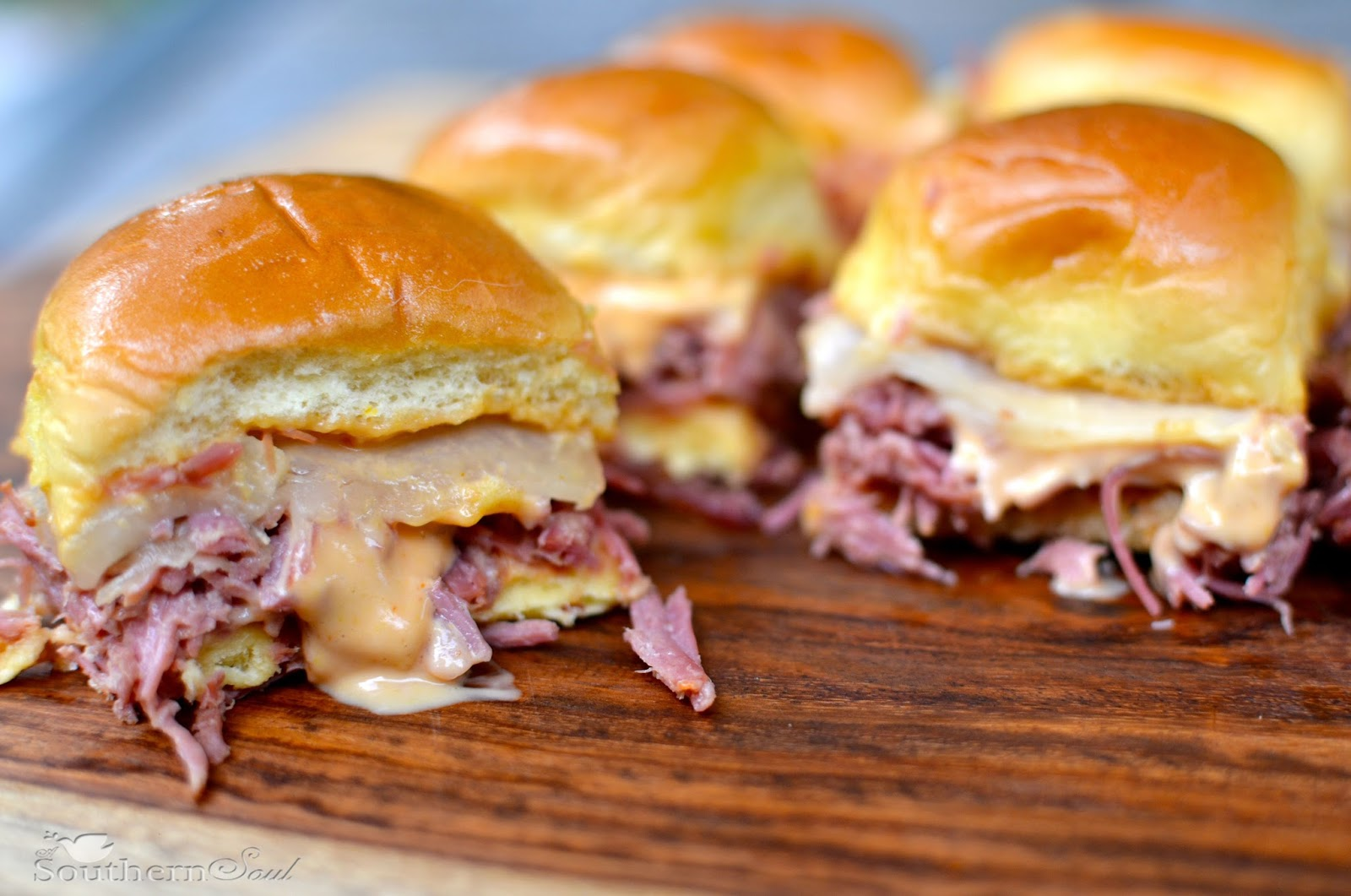 Slow cooker corned beef reuben sliders a southern soul asouthern soulspot forumfinder