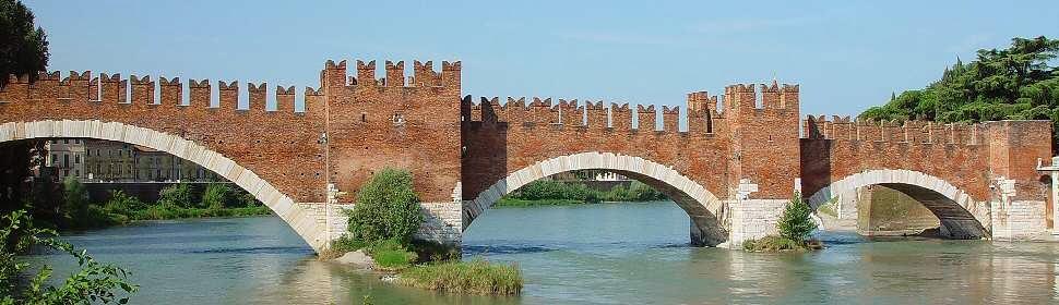 Ponte Scaligero en Verona, Italia